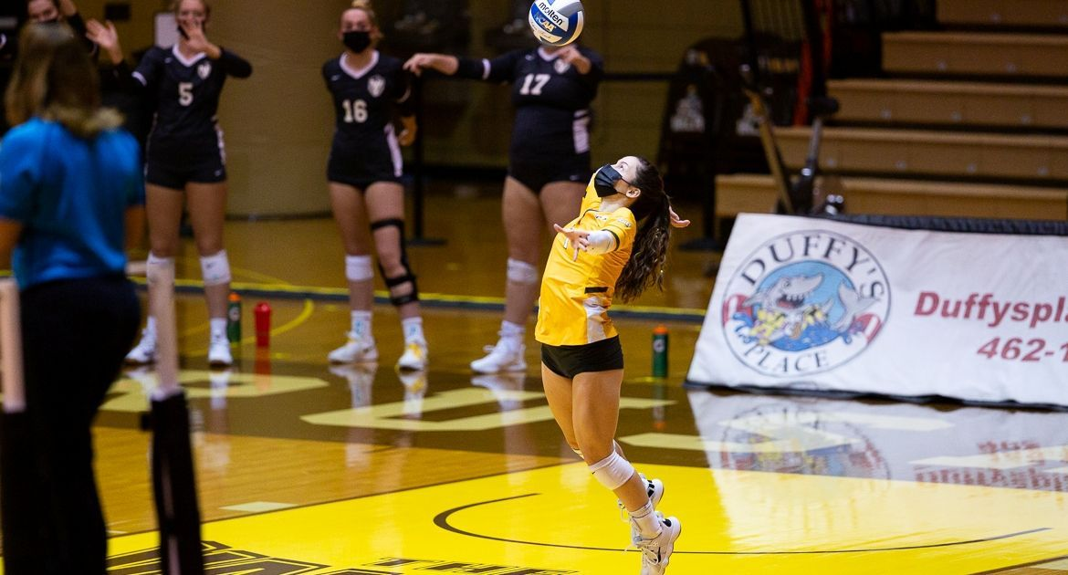 Cookerly Earns Another Spot in Record Book as Volleyball Defeats SIU