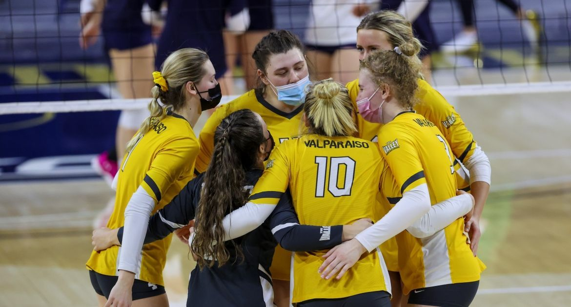 Volleyball Comes Up Just Short in Upset Run at #13 Notre Dame