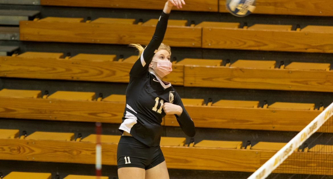 Volleyball Closes Regular Season With Win Over Evansville