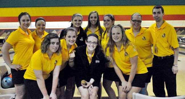 Valpo Wins Three on Second Day of Crusader Classic