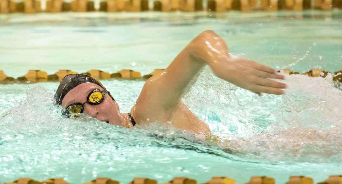 Women's Swimming Concludes MVC Championships Saturday