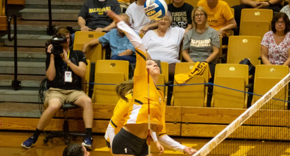 Volleyball Drops Season Finale; Heads Into MVC Tournament as Fifth Seed