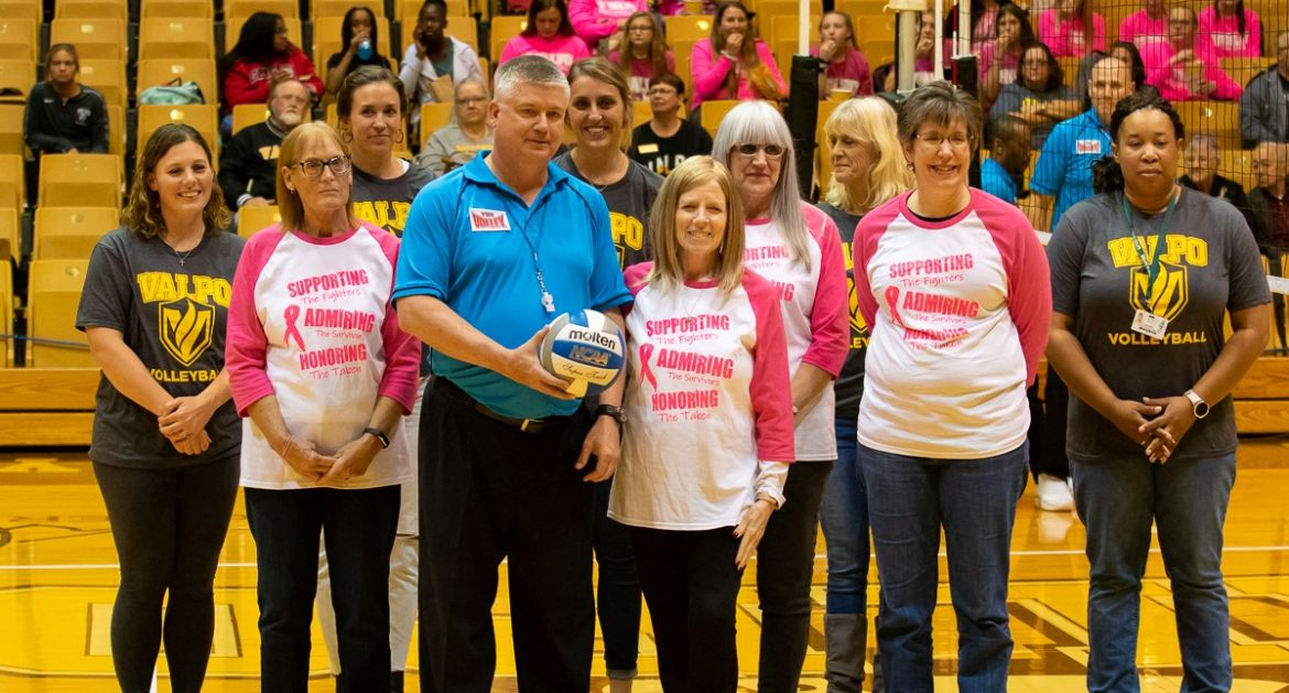 Volleyball Sweeps Missouri State in Pink Match Friday
