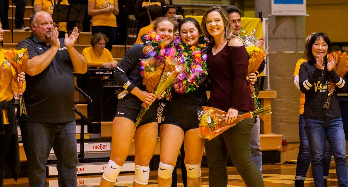 Volleyball Sends Seniors Off With Sweep of Bradley