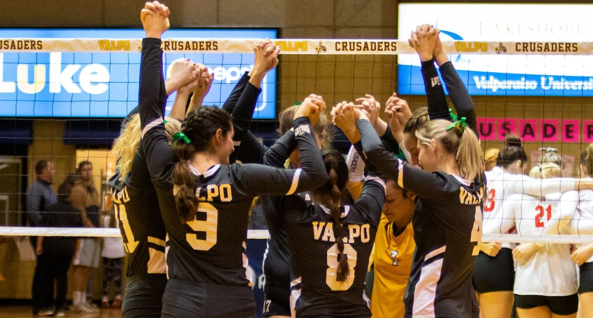 Volleyball Opens Up MVC Tournament Thanksgiving Evening