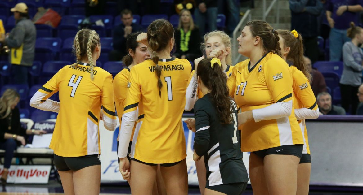 Valpo Battles in Four-Set Loss to UNI in MVC Semifinal Friday