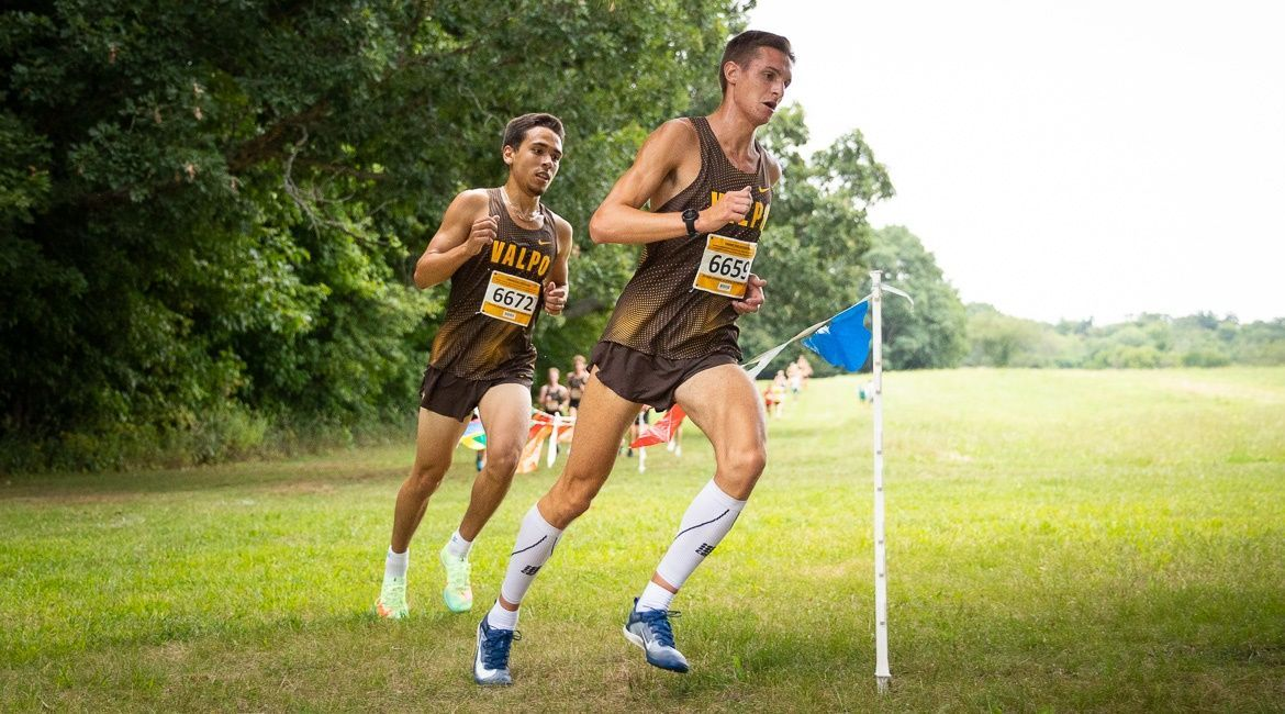 Cross Country Begins Season with Winrow Open