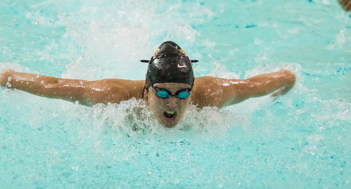 Valpo Swimming Falls Against Green Bay and UIC