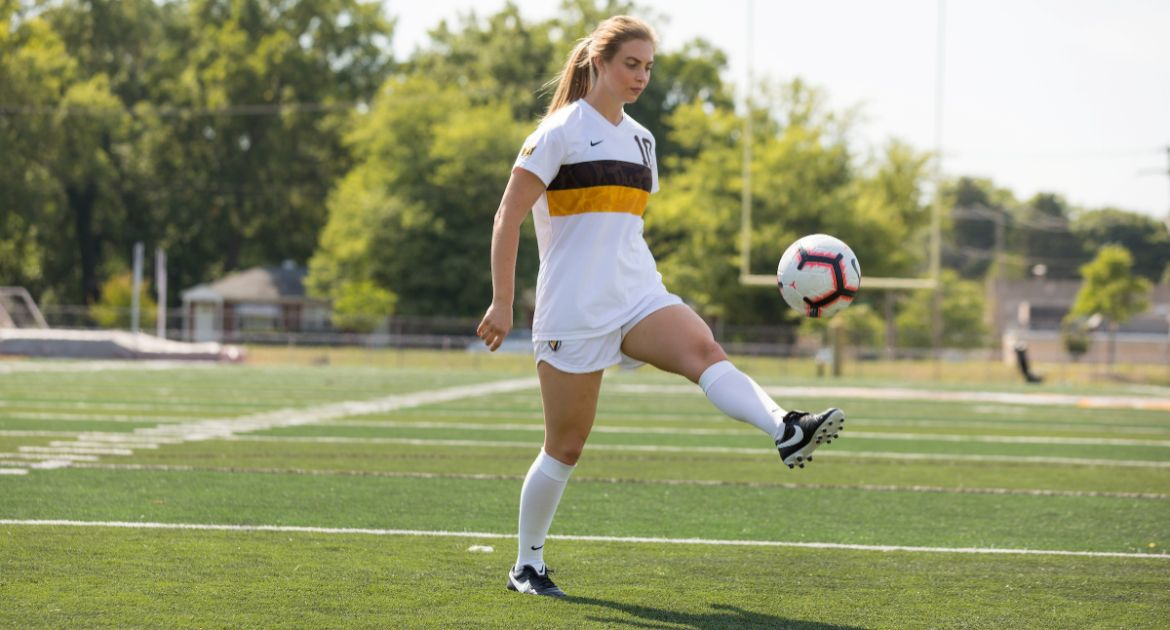 Women's Soccer Kicks Off MVC Action at Missouri State Saturday