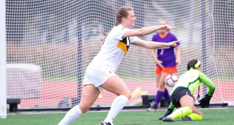 Women's Soccer Picks Up Home Win Over Evansville Sunday