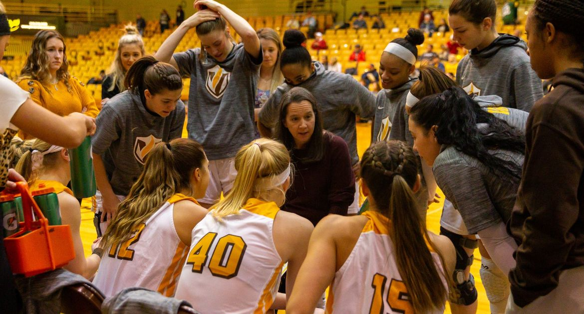 Women's Basketball Closes Homestand Versus Loyola Friday
