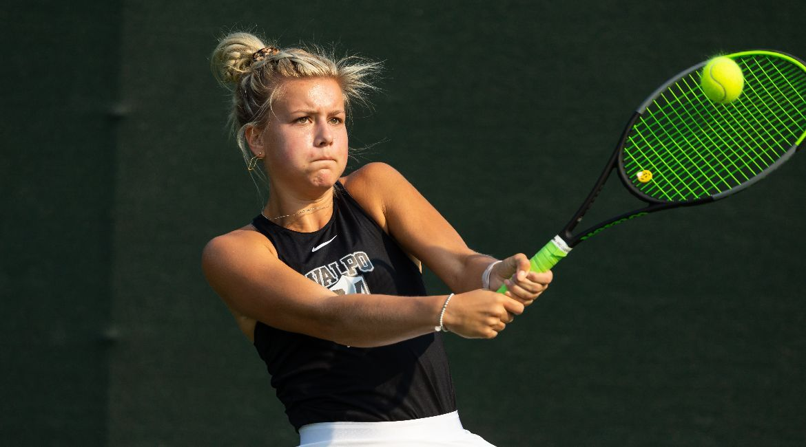 Two Doubles Victories, Four Singles Triumphs Create Winning Day for Valpo Tennis