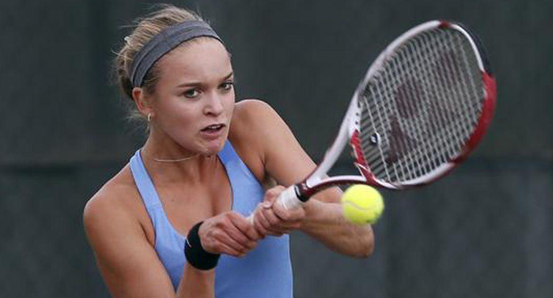 Kopfer Signs with Valpo Women's Tennis