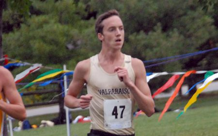 Hartenberger's Top-Ten Finish Paces Valpo Friday