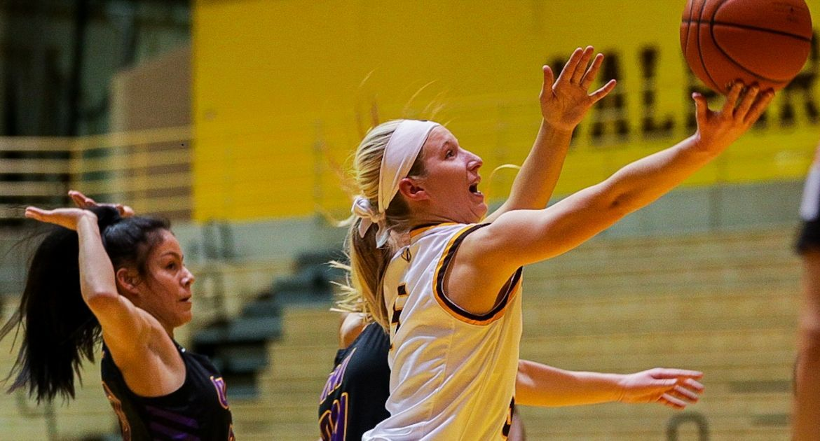 Valpo Opens MVC Play With Home Win Over UNI