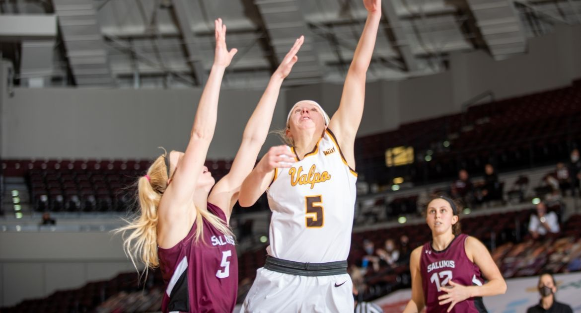 Women's Basketball Extends Win Streak to Four With Sweep at SIU