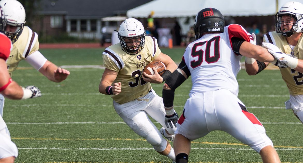 Valpo Tops Davidson, Enjoys Homecoming Victory