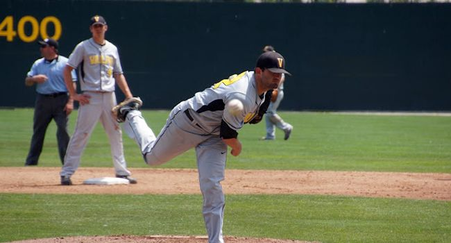 9th Inning Surge Not Enough for Crusaders in Opener
