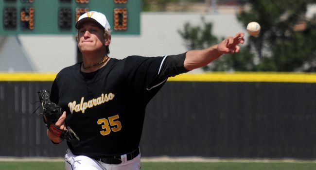 Valpo Moves into First Place Tie after Downing Youngstown State 8-3