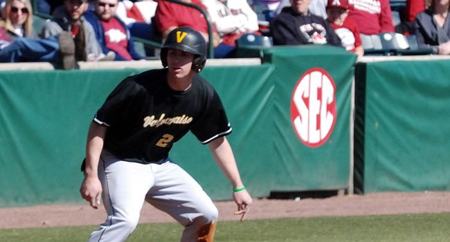 Offense Keeps Clicking in 8-4 Win over Western Michigan