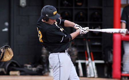 Valpo Baseball Duo Named to CSBL All-College Team