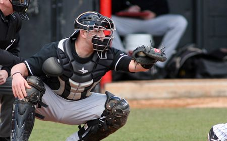 Valpo Closes Homestand With Two Midweek Games
