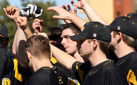 Follow Valpo-Butler Baseball LIVE Friday Afternoon