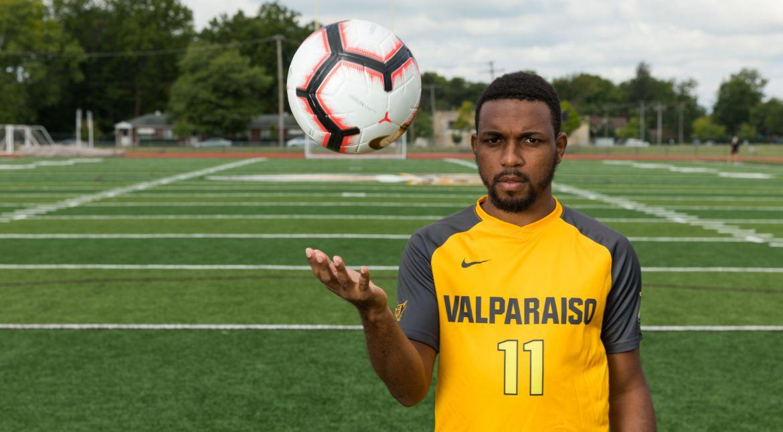 Men's Soccer to Visit Windy City on Friday