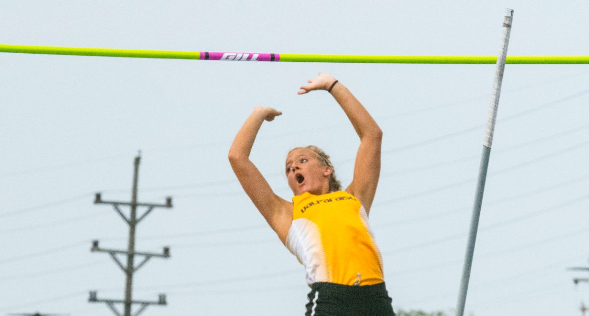 Sowonik Sets Record on Day 1 of MVC Championships