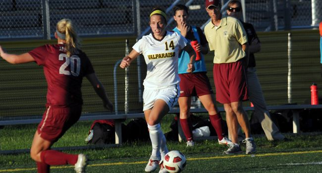 Crusaders Win at Green Bay, Secure Third Place