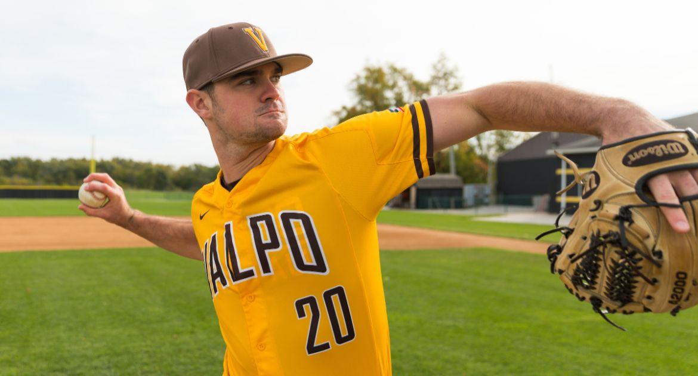Baseball Falls to Lipscomb in Season Opener