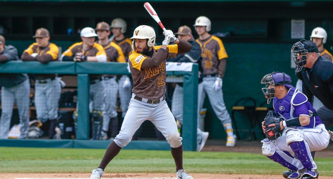Dent Sets Tone Atop Lineup as Baseball Tops Lipscomb