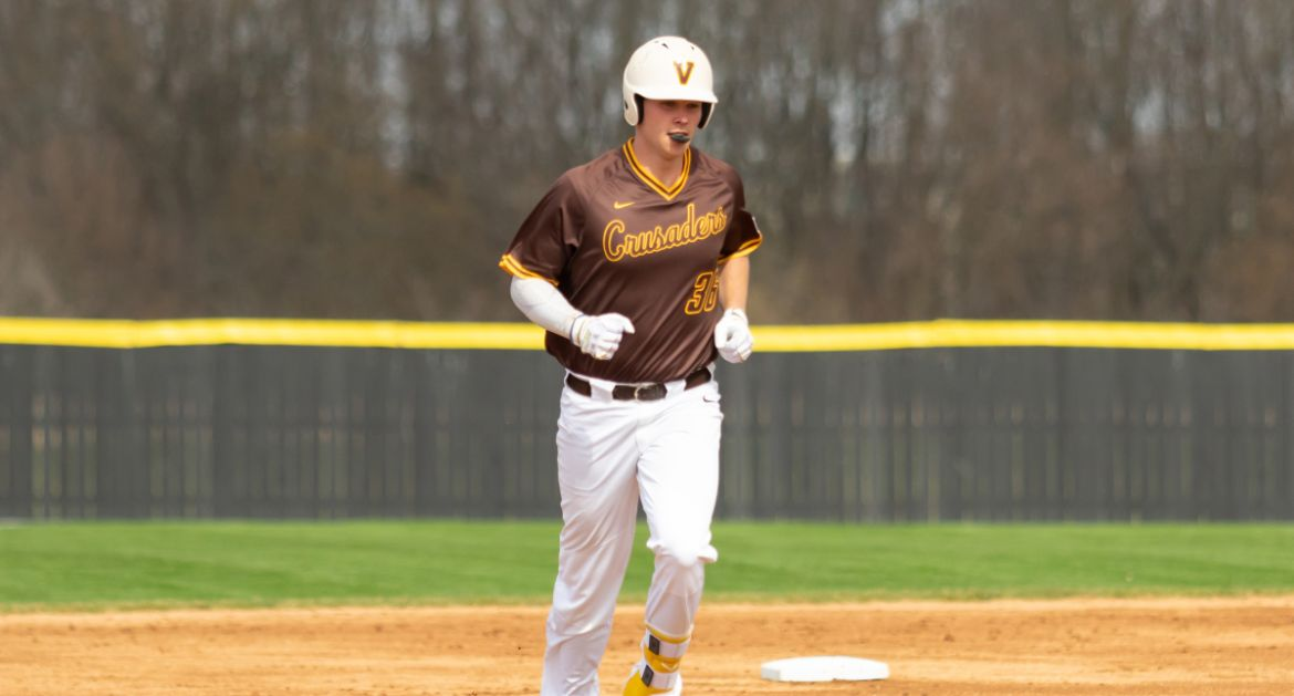 Billinger Belts Three Homers in Doubleheader at SIUE