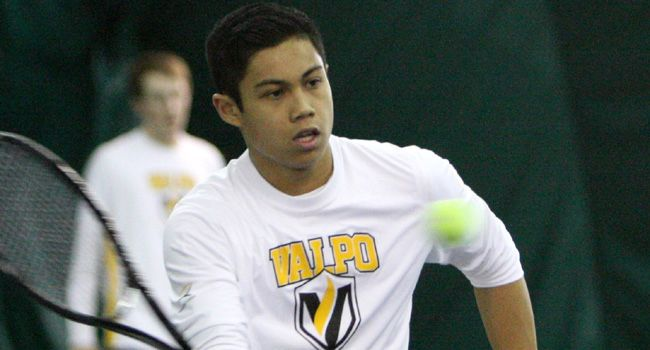 Crusaders Advance to Semifinals of HL Tourney with 4-3 Win over UIC