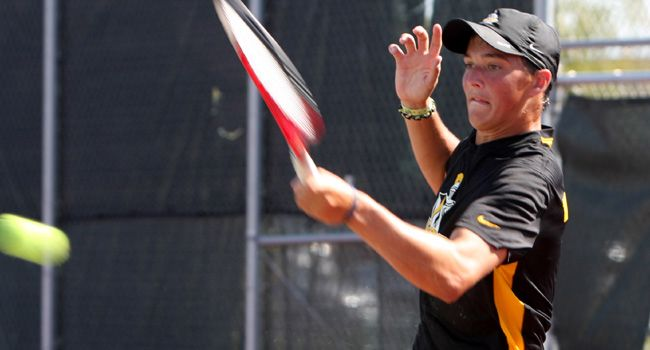 Schorsch Knocks Off 81st Ranked Player in Nation; Crusaders Fall 6-1 to #29 Northwestern