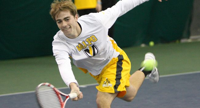 Men's Tennis Blanks Monmouth College, Records Third Straight Shutout