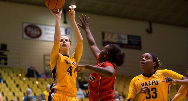 Panthers Take High-Scoring Affair over Valpo