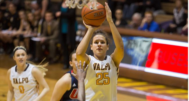 Stellar Shooting Can't Push Valpo Past UIC