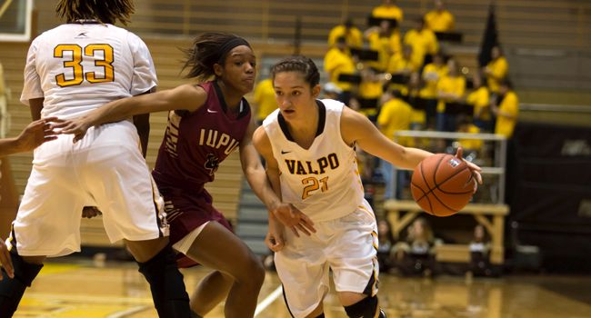 Dry Spell Erases Valpo's Halftime Lead in Green Bay