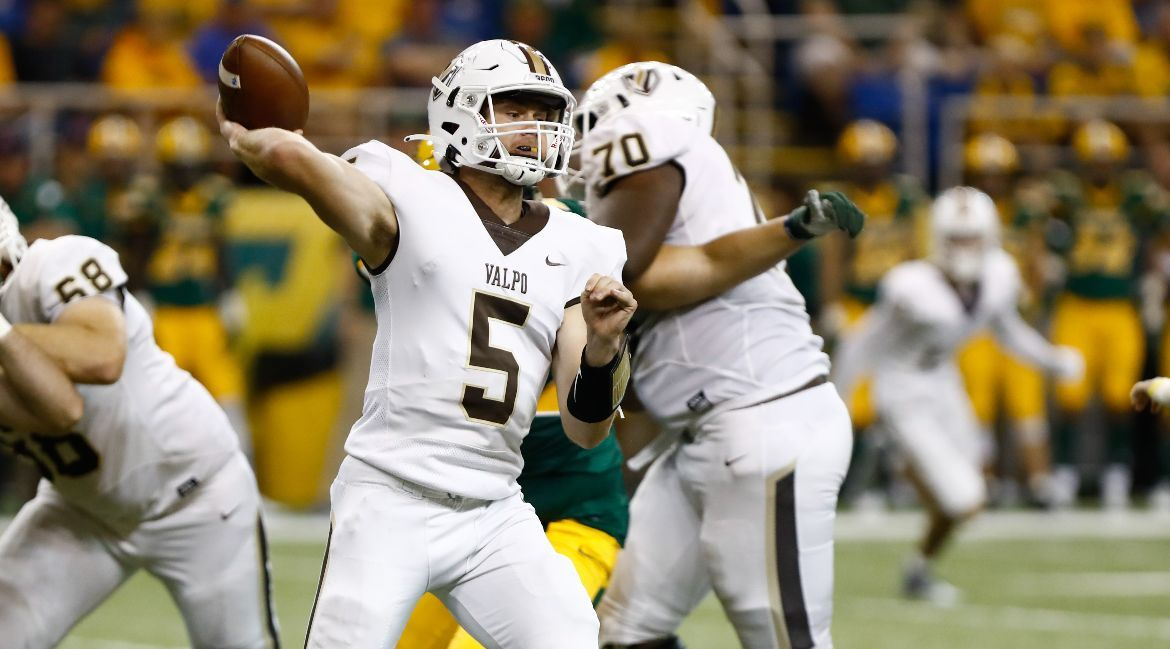 Valpo Stuns Drake in Dramatic Victory to Open PFL Play