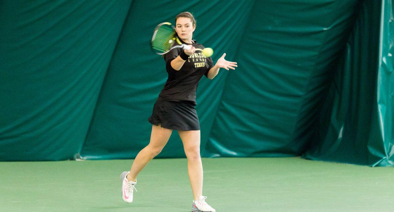 Women's Tennis Defeats Green Bay, 5-2