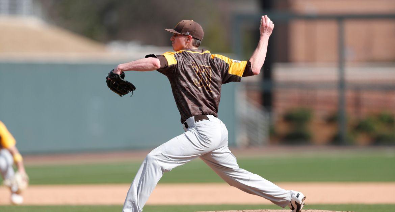Baseball Knocks Off Oklahoma on Saturday