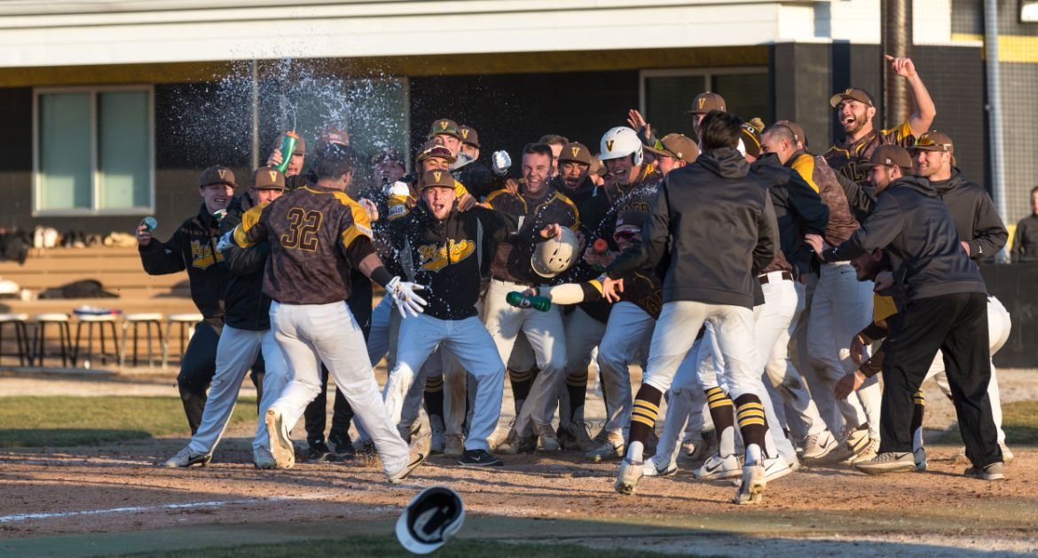 Historic Day for Valpo Baseball Ends in Epic Fashion