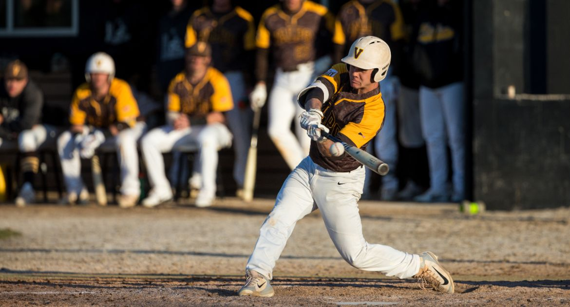 Baseball Drops Rubber Match in Southern Illinois