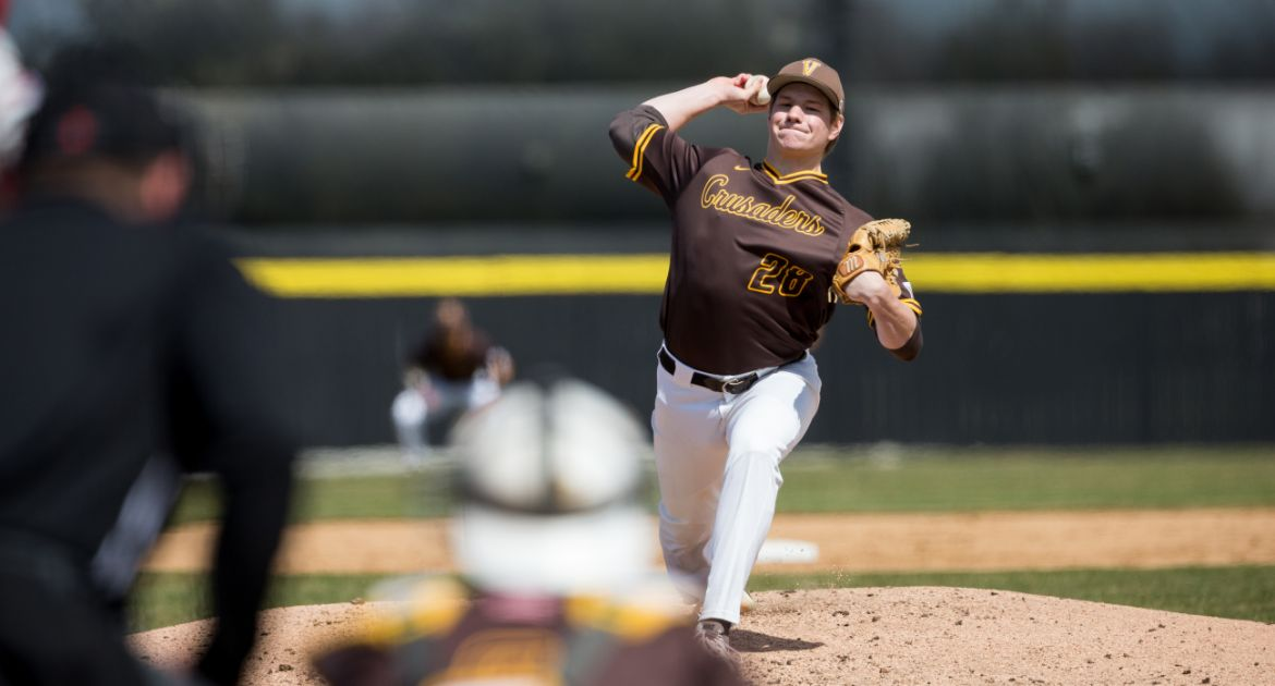 Early Offense Helps Valpo Take Series Opener From Evansville