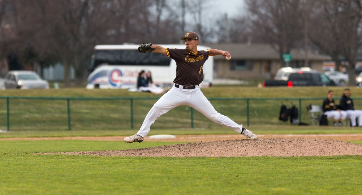 Two-Out Rally in Ninth Propels Valpo to Dramatic Win