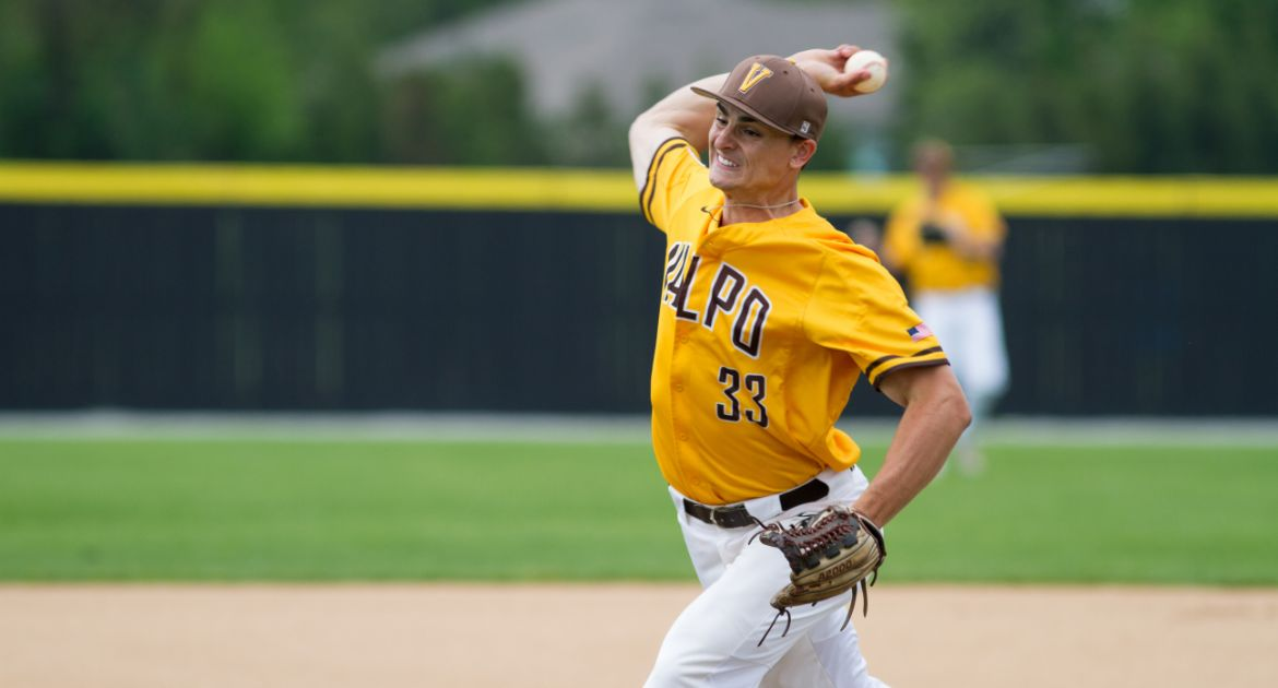 Valpo Hosts Indiana State for Senior Weekend