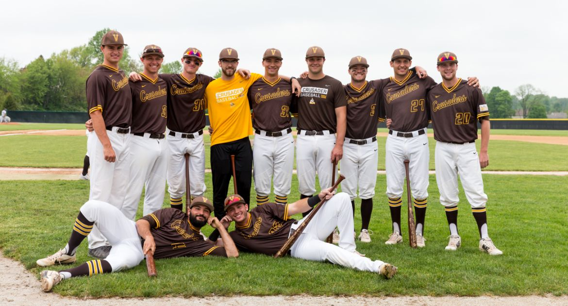 Valpo Baseball Honors Seniors on Saturday