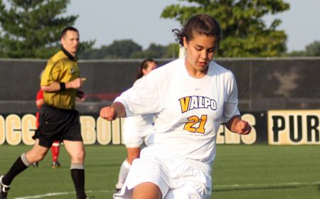 Valpo Women Advance with 2-0 Victory over Green Bay
