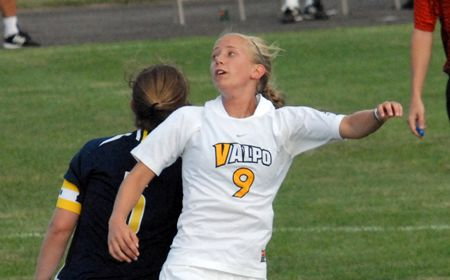 Valpo Women Close Exhibition Play with 3-0 Victory over Oakland